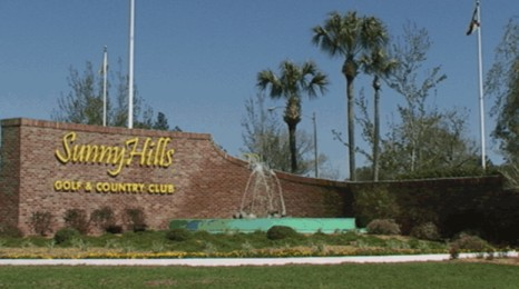 Sunny Hills, Florida offers a variety of activities, such as golf at the Sunny Hills Golf and Country Club.